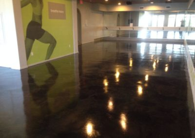 commercial-stained-concrete-dark